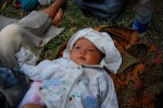 Bayi Sekecil dan Secantik ini Harus di Jalanan...